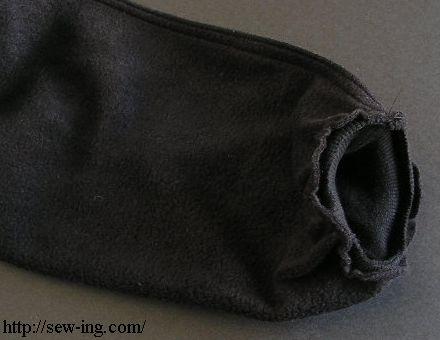 袖口を縫いつける